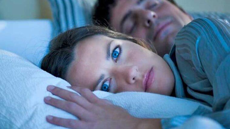 Dormir com ohos abertos